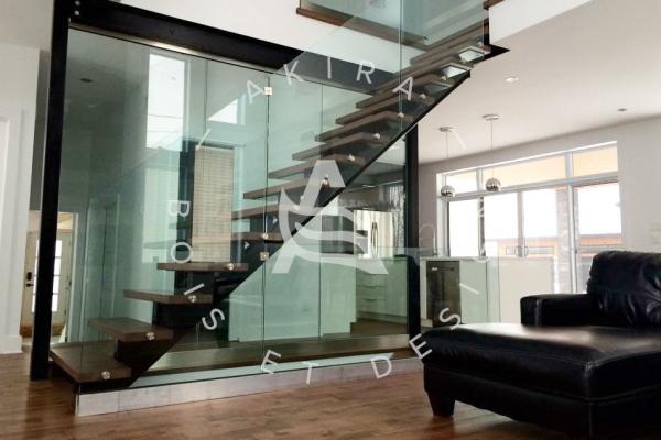 escalier-sur-mesure-laurentides-limon-central-acier-garde-corps-verre-akira-logo-1EC267434-CD10-856A-270B-CC3D225A9D1E.jpg
