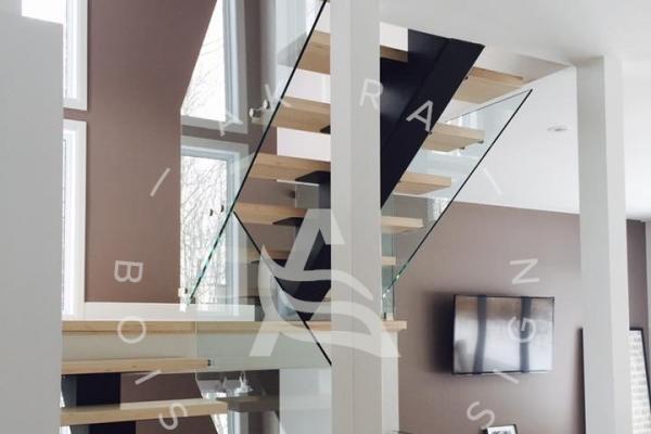 escalier-sur-mesure-laurentides-limons-central-acier-garde-corps-verre-akira-logoE5EBFDD0-47FE-1C57-BA89-02C39AA186CB.jpg
