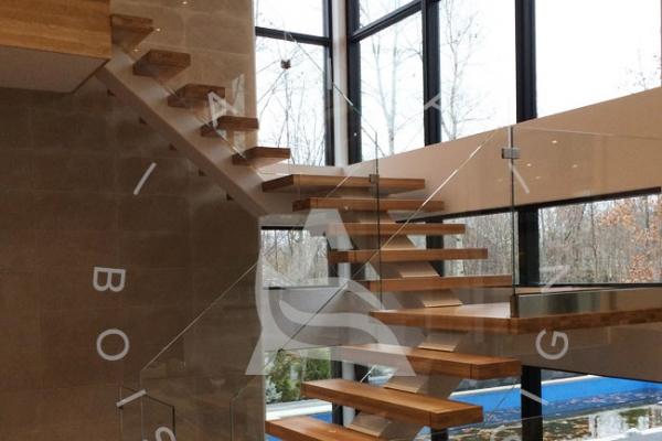 escalier-sur-mesure-laurentides-prestige-chene-blanc-framless-verre-limon-central-clip-akira-logo-236549A64-620C-DE3C-A6A8-C7FFAA530AC6.jpg