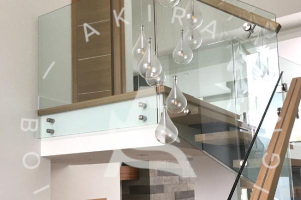 escalier-design-sur-mesure-chene-blanc-limon-acier-rampe-verre-akira-logo39E62DAF-C76A-80A3-3700-C3F1D626955E.jpg