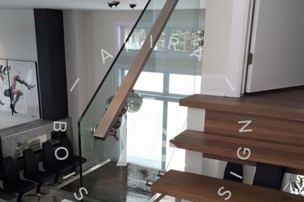 escalier-sur-mesure-laurentides-limon-central-rampe-verre-akira-logo-671B864D4-3F49-C7FF-AD79-93A6D664697A.jpg