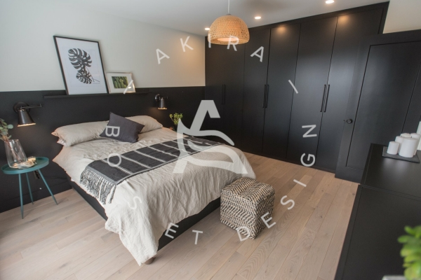 plancher-chene-blanc-sur-mesure-chambre-des-maitres-master-bedroom-akira-logo-1C53464C4-26BD-87E0-03BB-8BECB7D52999.jpg