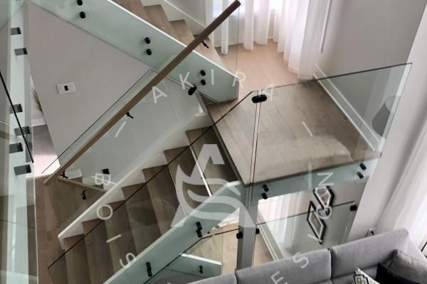escalier-double-limon-mortaise-bois-blanc-marche-plancher-rampe-erable-garde-corps-verre-akira-logo-266074BE8-169F-76DE-6011-59AD8DD5AB9C.jpg