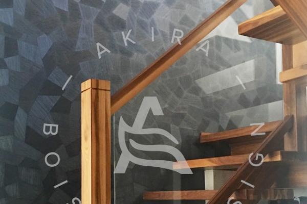 escalier-sur-mesure-laurentides-architecturale-noyer-limon-central-akira-logo-35FE5008D-AAB2-5F91-FCCE-C29220187066.jpg