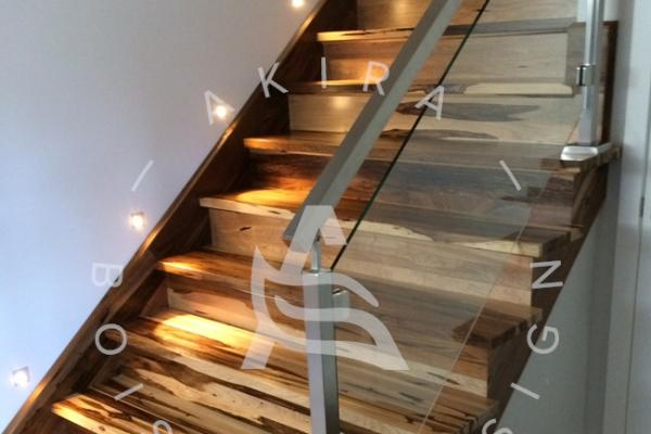 escalier-sur-mesure-laurentides-bois-exotique-guajavira-akira-logo41F4791F-EB5E-262A-520D-CEBAA03B4455.jpg
