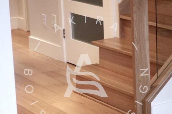escalier-sur-mesure-laurentides-chene-rouge-garde-corps-bois-verre-akira-logo-2F580D851-C030-2ACB-2123-F00250A0A0A8.jpg