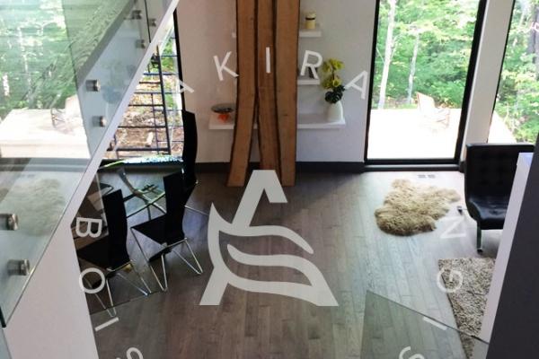 escalier-sur-mesure-laurentides-frene-rampe-verre-akira-logo-55652CA9E-344D-1810-FBA1-63040AD2EDBC.jpg