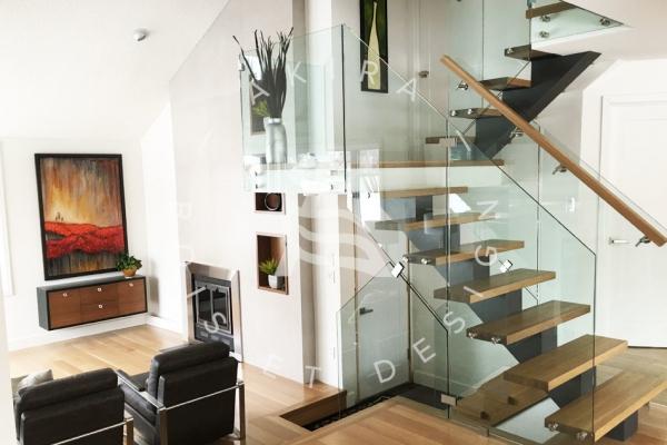 escalier-sur-mesure-laurentides-limon-central-rampe-verre-akira-logo-12D3C32A6-A787-893E-BF77-CB8C76460628.jpg