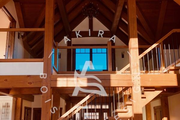 escalier-sur-mesure-limon-bois-garde-corps-verre-barreau-akira-logo-366E5E3AF-B778-B062-9EB1-D459A608488C.jpg