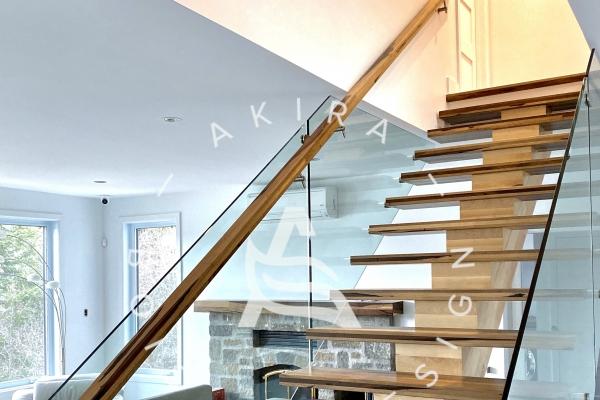 escalier-sur-mesure-limon-central-bois-chene-blanc-marche-rampe-design-guajavira-garde-corps-verre-akira-logo16E7317A-3993-7E06-1C82-CB4BCD1BDAC6.jpg
