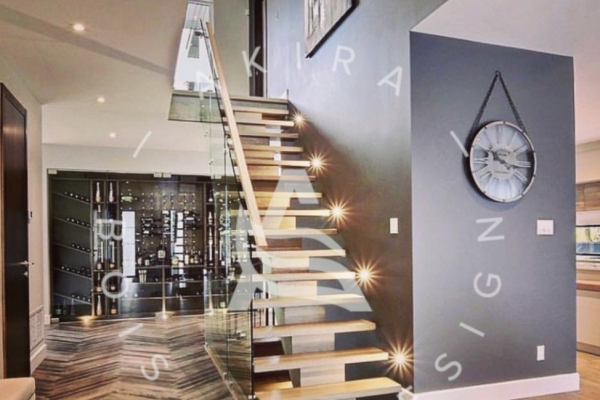 escalier-sur-mesure-limon-central-bois-rampe-garde-corps-verre-akira-logo295D20E3-4665-3DB9-1CA2-068C8580209F.jpg