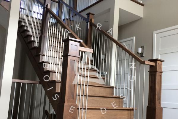escalier-sur-mesure-laurentides-erable-rampe-poteaux-bois-tiges-acier-akira-logo-138A42454-C976-9627-929B-E3C3D7330A5F.jpg