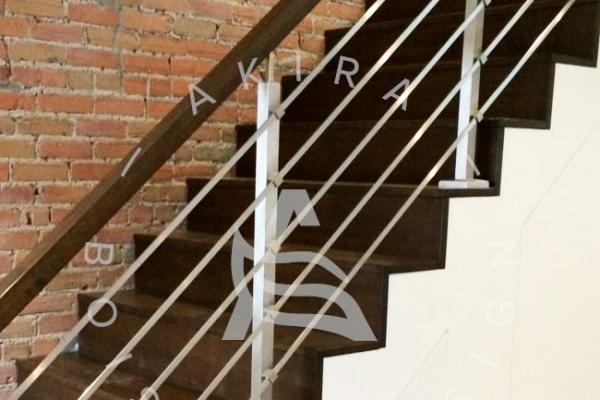 escalier-sur-mesure-laurentides-merisier-rampe-bois-barres-stainless-akira-logoB86F82C4-BD03-E66F-B970-9EA618D7C8A9.jpg