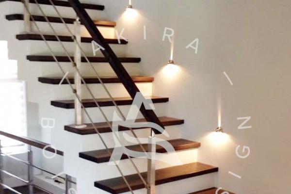 escalier-sur-mesure-rampe-poteaux-tiges-acier-inoxydable-led-light-akira-logo7819527F-4205-7D4B-AFE4-0BF122363841.jpg